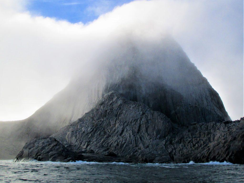 Cumplidos todos los objetivos en esta foto. Cabo de Farewel, isla Eggers y costa Este todo en esta fotografía.